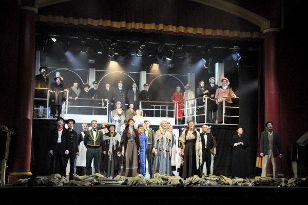 FMTC cast of Titanic performance